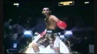 Pakistani Boxer Mujra Dance Very Funny 2011