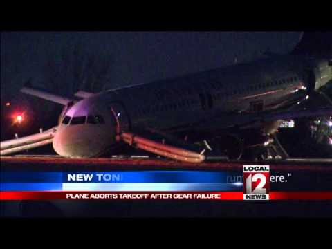 Jet aborts takeoff after gear failure in Philly