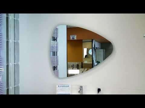Mobile da bagno moderno con specchio design colore grigio con maniglie nere 80 cm.