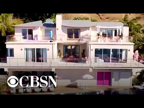 Barbie's Malibu Dreamhouse