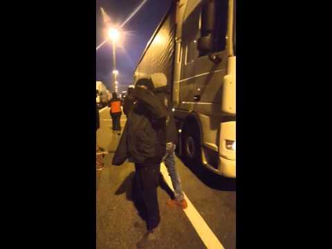 Calais Emigrant vs. Drivers 18.11.2015. JAL.