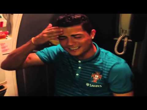 Cristiano Ronaldo Cantando a musica da Rihanna On Airplane thumbnail