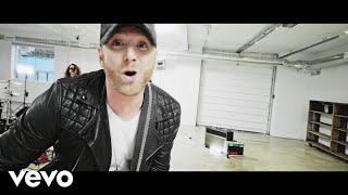 Смотреть клип Tim Hicks - Loud