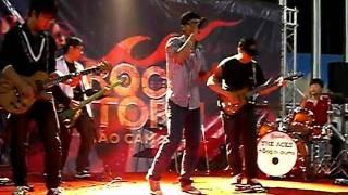 1019, Chìa khóa bạc và fin cafe (cover KOP) - Swallow band ở Rock storm