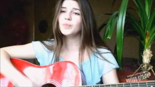 �������� ���� Девушка красиво поет под гитару на стихи  Есенина 'Заметался пожар голубой' ������
