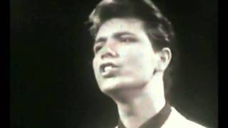 Cliff Richard - Fall In Love with You (1961) -Version 2