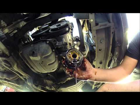 How To Change Your Motor Oil - Toyota 2007 Easy