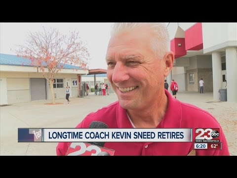 Kevin Sneed officially announces his retirement after 37 years coaching in Kern County
