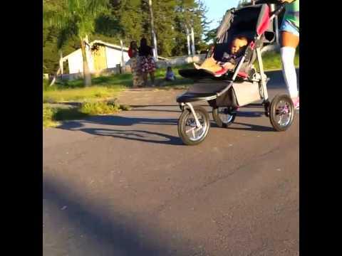 Baby fitness  corrida no parque Dondinho