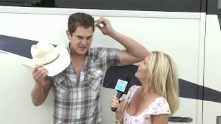 Dolly McCarthy interviews Country Music Star Jon Pardi
