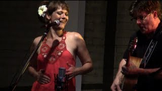 Annie Sellick and Pat Bergeson Duo / You Are My Sunshine.mp3