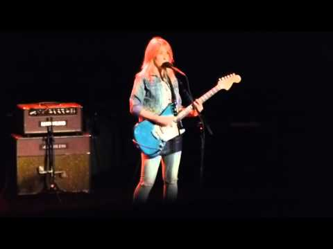 Liz Phair - Fuck and Run HD @ Beacon Theatre, NYC 04-04-2016