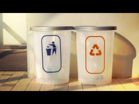 Вторая жизнь мусора. В Алматы научились делать мебель из бывшего мусора