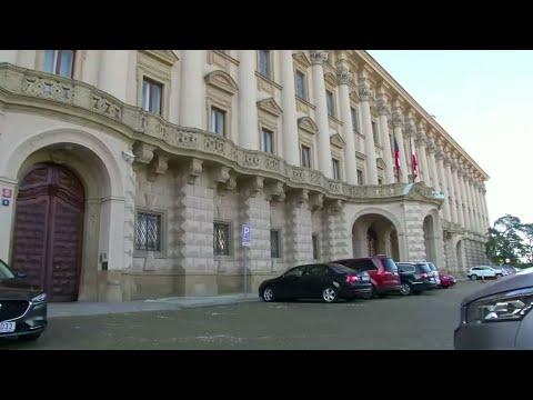 الجمهورية التشيكية تطرد 18 دبلوماسيا روسيا تتهمهم بالتجسس والتورط في انفجار عام 2014  - نشر قبل 2 ساعة