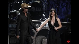 Kelly Clarkson and Jason Aldean - Don't you wanna stay at Grammys 2012