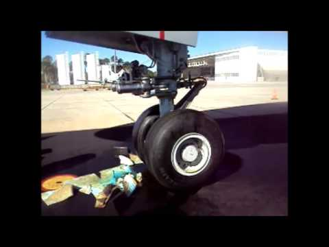 Boeing 777 Nose Gear Steering with Operational Test for Leak