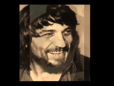 Waylon Jennings... Lucille