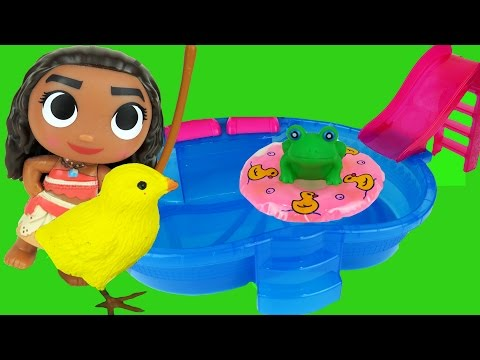 Moana & nice Animals at the POOL- Frog saves cute Chicks -Toy Cat - Playing- Slide- Swim - Water
