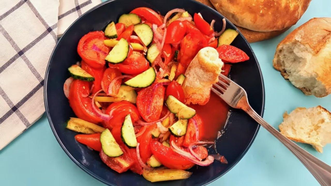 Un mic secret pentru o salata de rosii gustoasa , cu multa zeama