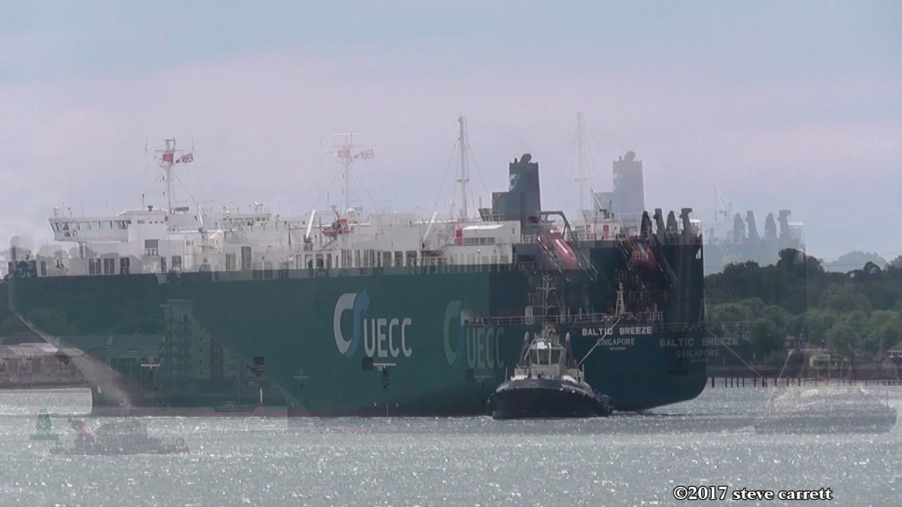 UECC RoRo Vehicles Carrier 'Baltic Breeze' Cuxhaven - Southampton 19/5/17