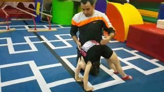 Cimnastikte Geri Köprü Nasıl Yapılır