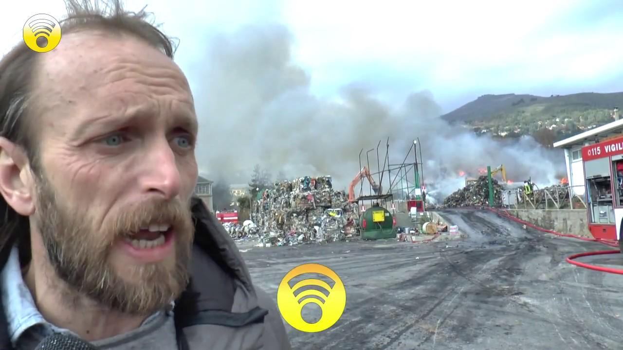 Incendio a Cenesi. Deposito di stoccaggio rifiuti della SARR in fiamme: video #2