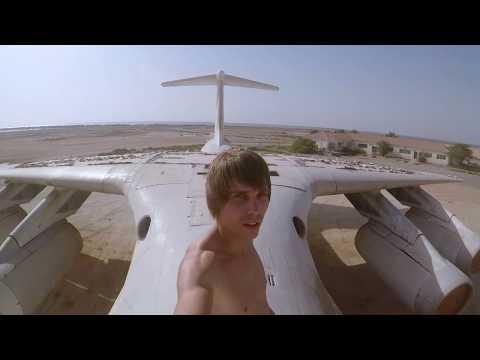Abandoned Airplane near DUBAI - ILYUSHIN IL-76 (URBEX)