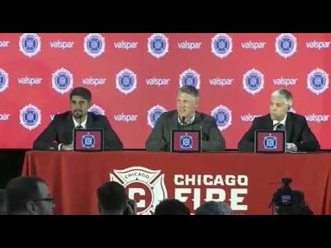 Bastian Schweinsteiger answers in Serbian at his first Chicago news conference