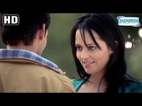 Ruslaan Mumtaz Proposes Hazel Croney Near Eiffel Tower - MP3: Mera Pehla Pehla Pyaar Romantic Scene