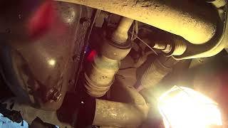Замена масла своими руками, на автомобиле Mazda Premacy.Oil change , on the car