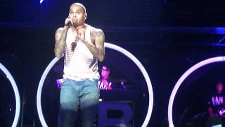 Chris Brown singing Look At Me Now with Busta Rhymes (FAME tour 2011)