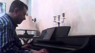 حبوا بعضن .. فيروز .. موسيقى على بيانو طارق بغدادى