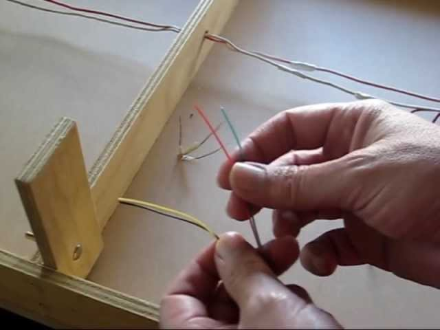 Wiring up signal light for model railway - YouTube