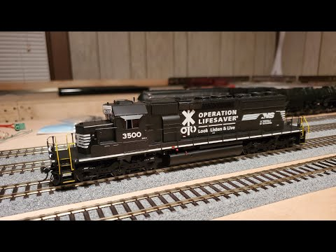 Athearn Ready To Roll Norfolk Southern SD40-2 W/sound