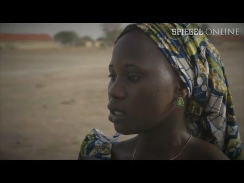 Terror in Nigeria: Boko Haram führt verschleppte Mädchen vor