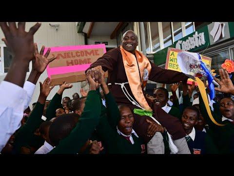 """peter-tabichi,-el-profesor-keniata-ganador-del-""""nobel""""-de-educación"""
