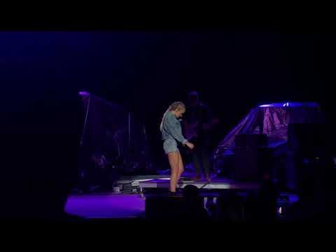 Goodbye Summer - Danielle Bradbery Springfield IL State Fair 08/16/2018