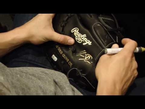 Chris Davis Signing Fielder's Gloves May 13, 2013 Baltimore Orioles For The Art Of The Game