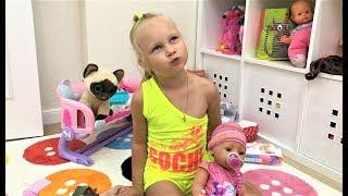Чому ми ВИКИНУЛИ всіх ляльок Бебі БОРН У Аліси нова іграшка