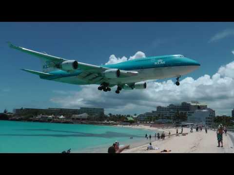 St. Maarten KLM Boeing 747 landing (1080p)