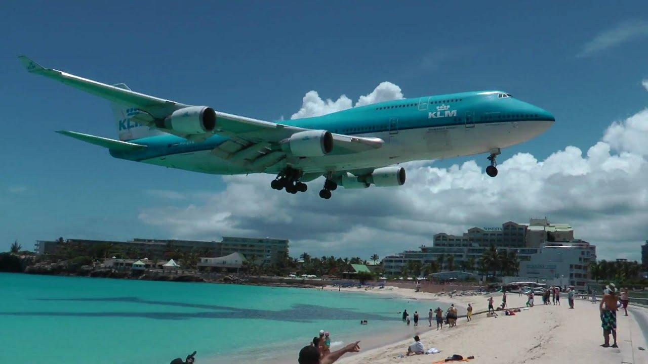 Airplane Landing Beach St Martin