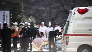 東日本大震災 Earthquake Scene of Tokyo JAPAN 東京 九段会館 心臓マッサージ