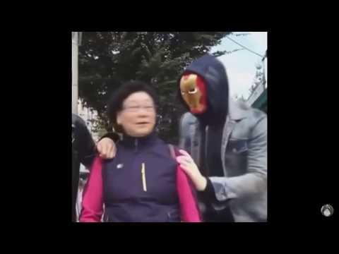 Frau hat angst vor Iron man :D