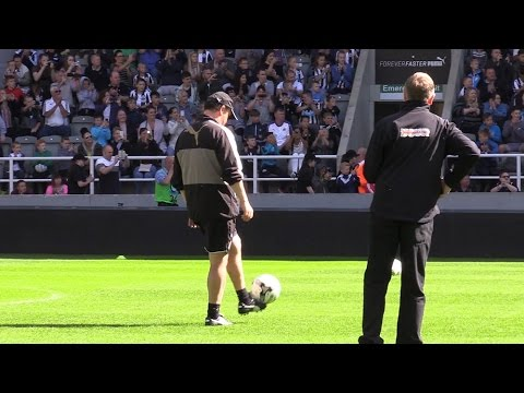 Newcastle United Open Training At St James' Park - Rafa Tries Out Some Skills