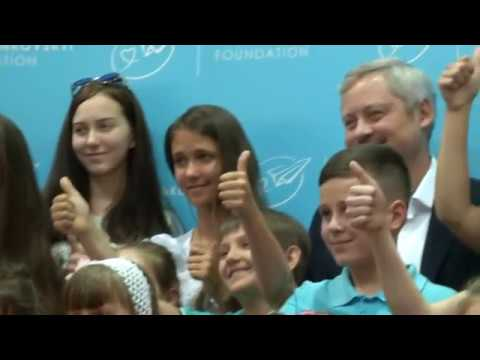 5Канал: Фонд Янковського нагородив фіналістів Конкурсу дитячого малюнку «УКРАЇНА - ЗЕМЛЯ ТАЛАНТІВ»