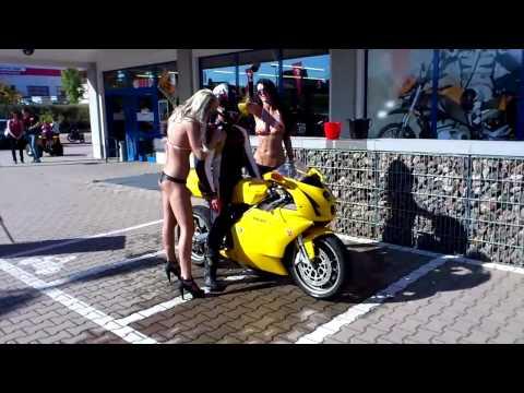 Sexy Bike Wash - Ducati 749 - POLO Herbstfest 2011