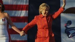 Bill Clinton, Katy Perry Support Hillary in Iowa