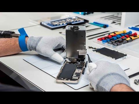 Набор инструментов для ремонта телефонов.