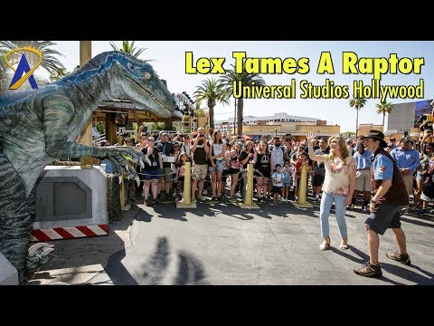 Ariana Richards Lex from Jurassic Park Tames a Raptor at Universal Studios Hollywood