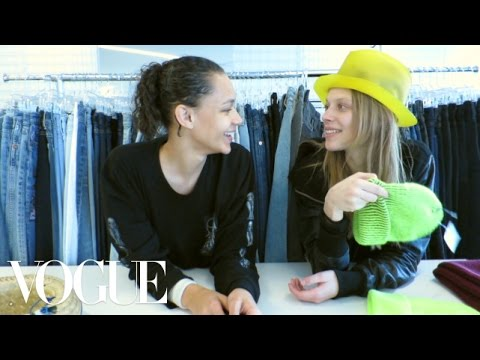 Download Youtube: Binx Walton and Lexi Boling Stage a Model Break-In At Vogue.com